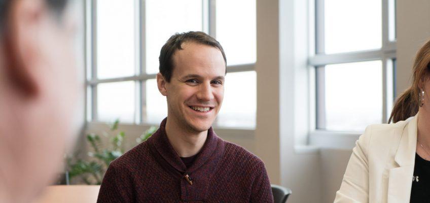 Pier-Olivier Caron, professeur du Département Sciences humaines, Lettres et Communications de la TÉLUQ et membre du SPPTU